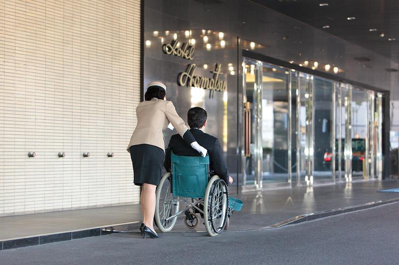 車椅子、披露宴会場内ベビーベッドの貸し出し